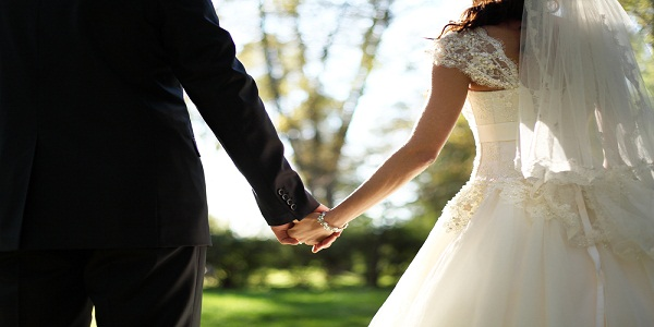 Kala Jadu to Make Fall Spouse in Love